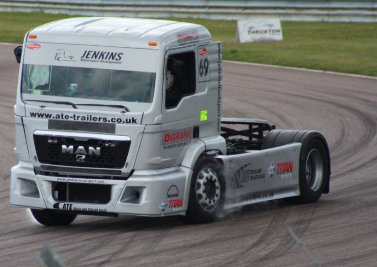 Thruxton 2011 racing