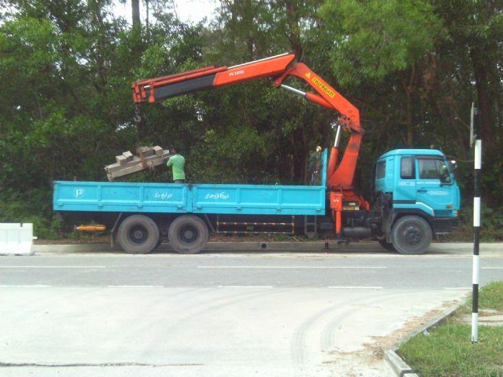Nissan Diesel 3-axle cargo truck