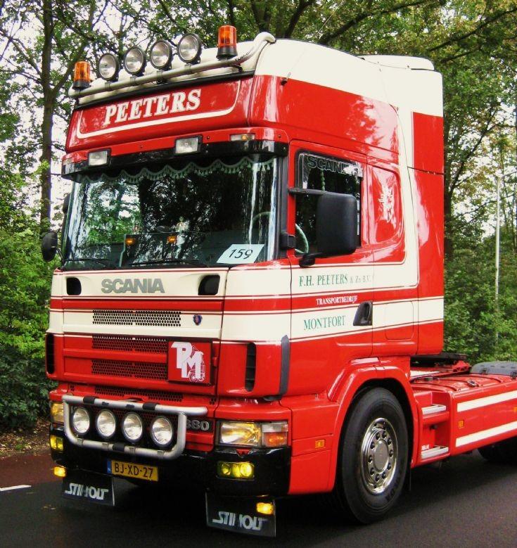Peeters from Montfort ( NL ) 2001 Scania. Image 2.