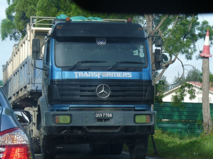 Mercedes Transformers tractor