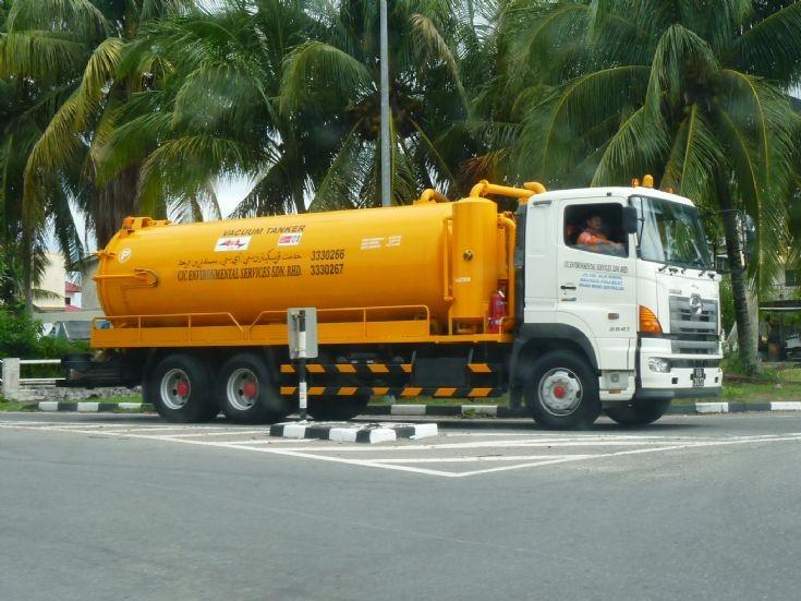 Hino Vacuum Tanker