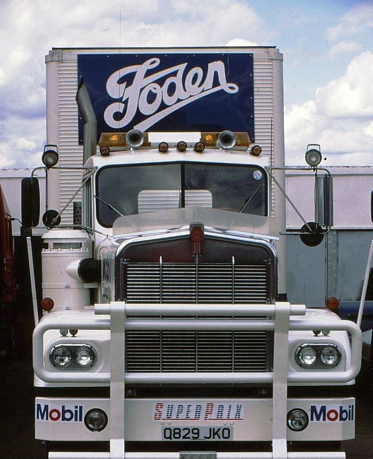 Photo of Kenworth W900 in 1985
