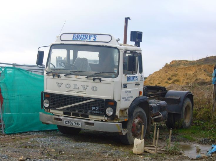 1985 Volvo F7 day cab