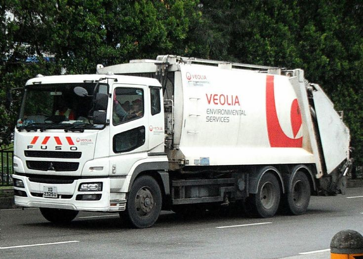 Mitsubishi Fuso Super Great FH517FDR Refuse Garbage Truck Veolia Environmental Services Pte Ltd
