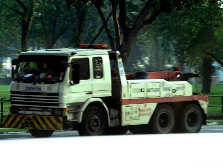 Scania 113H 3.0 Towing Truck Yishun Towing Pte Ltd
