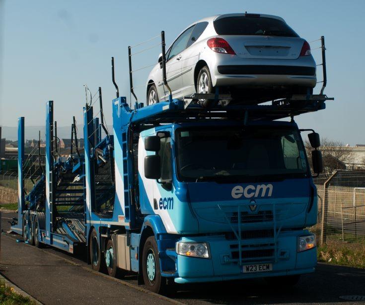 truck photos renault premium car transporter. Black Bedroom Furniture Sets. Home Design Ideas