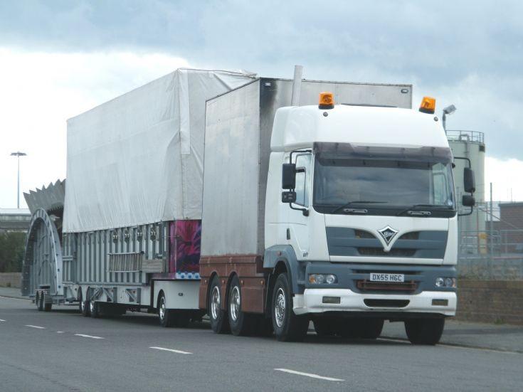 Foden Alpha showmans truck