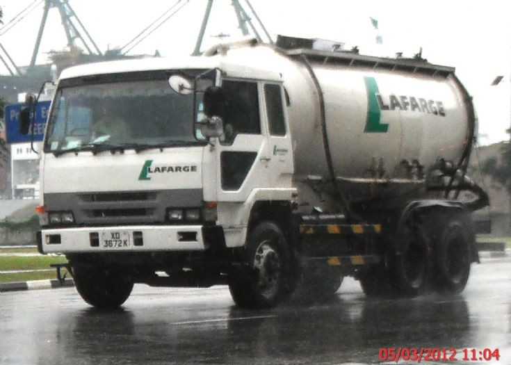 Mitsubishi Fuso Great FV416 series Bulk Cement Tanker Truck Lafarge Cement Singapore Pte Ltd