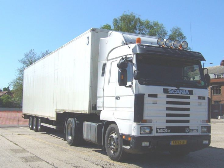 Scania  R143M 420 V8