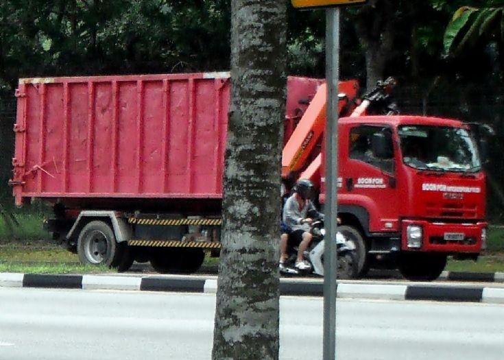Isuzu Forward FV Series Hook Lift Truck Boon Poh Refuse Disposal Pte Ltd