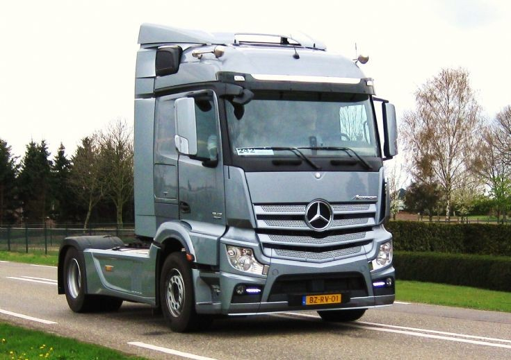 The trucknet uk drivers roundtable view topic new for The new mercedes benz truck