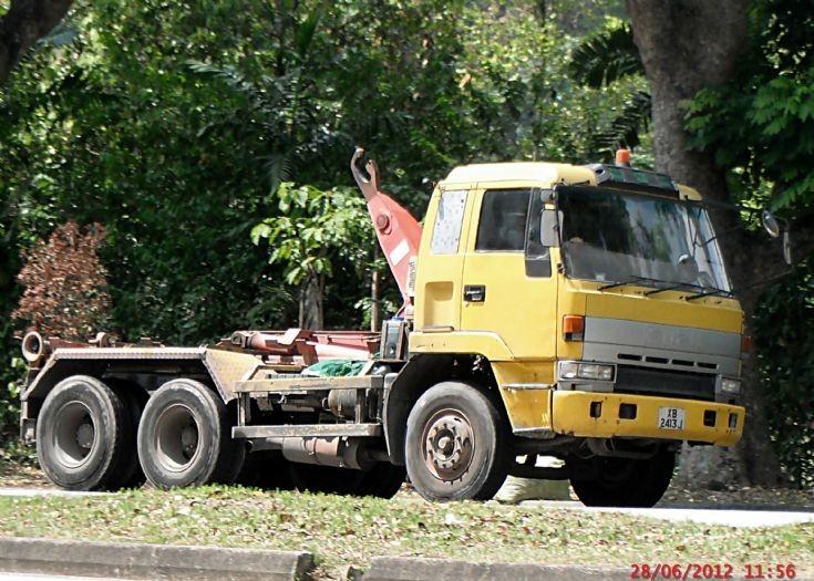 Isuzu Giga CXZ 19JD Series Hook Lift Truck in Singapore
