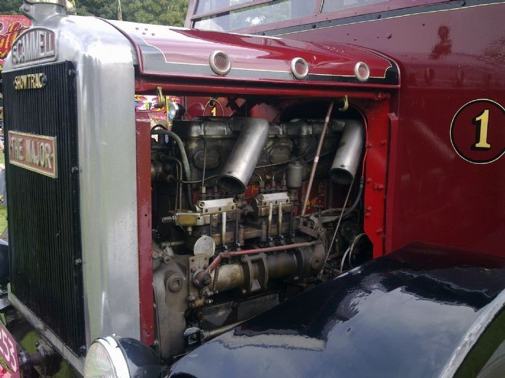 Scammell Showtrac engine