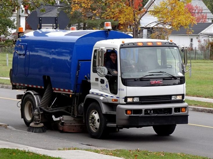 GMC Ville de Quebec road sweeper