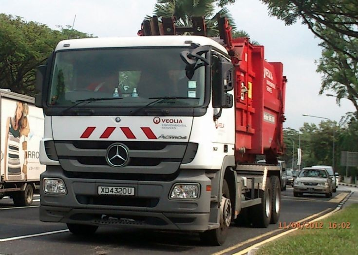 Mercedes Actros 2632 Series Hook Lift Truck Veolia Environmental Services Pte Ltd