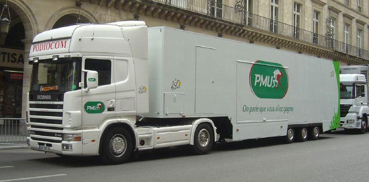 Scania 'PMU' podium 'podiocom' truck at 2008 Tour de France