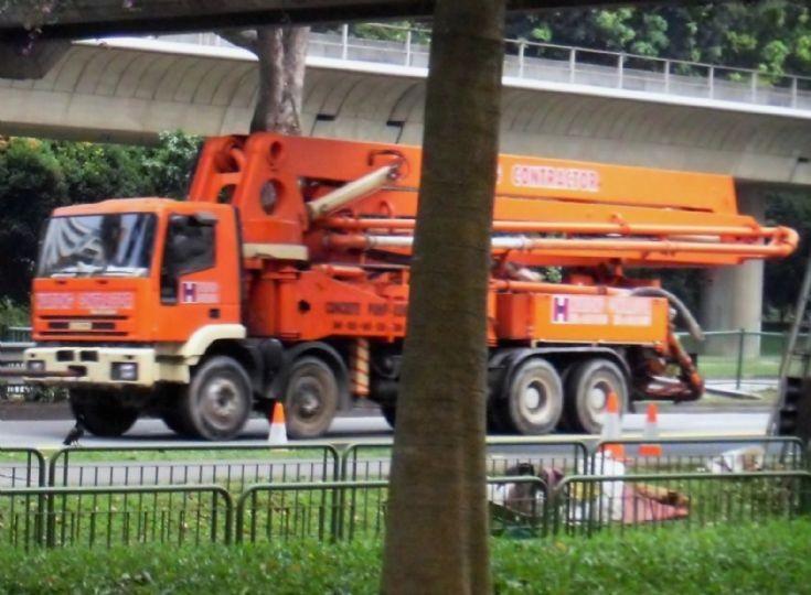 Iveco EuroTrakker 410E37 Series 4-Axle Concrete Pump Truck Hua Tiong Contractor