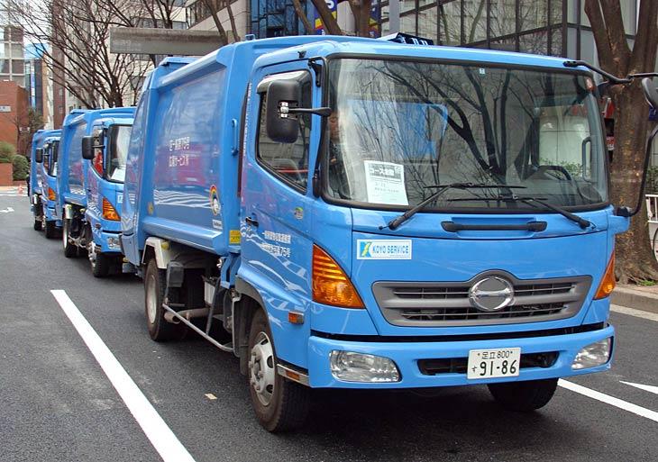 Hino Ranger Garbage Trucks - Tokyo Japan