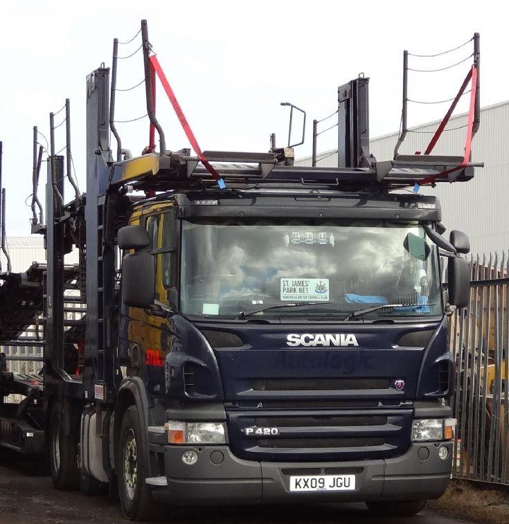 Scania P420.