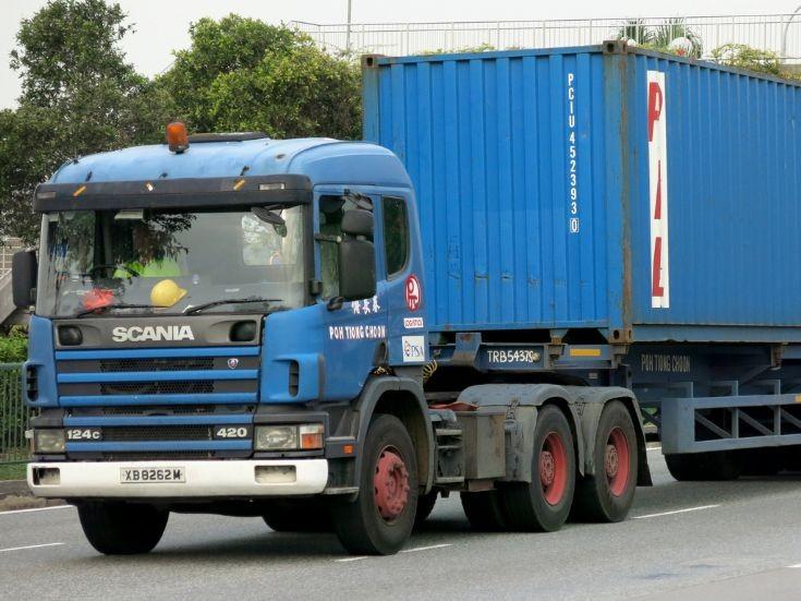Scania 124C-420 (XB 8262M)