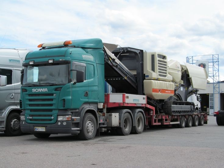 Scania R580 6x4 with 4-axle Low Loader