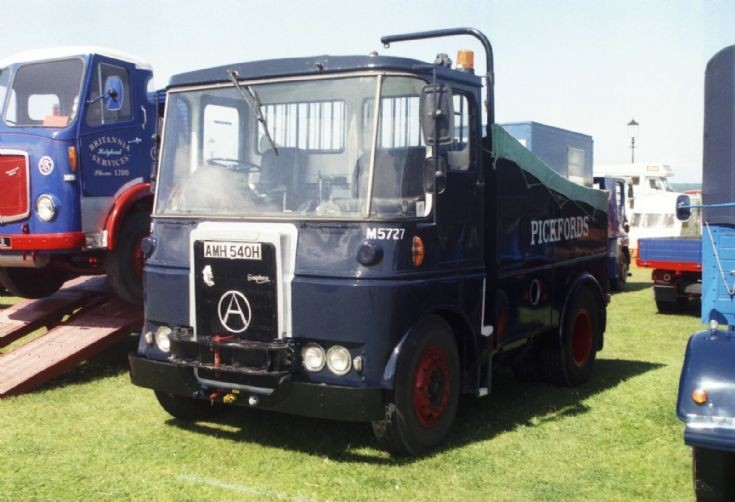 1968 Atkinson Viewline Ballasted Tractor.
