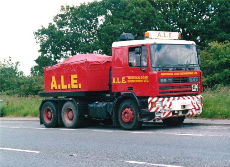 1992 Leyland Daf 95-430 Ballasted Tractor