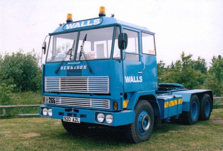 1980 Dennison 64RR Artic Tractor