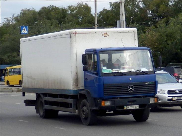 Truck photos mercedes benz 1317 for Mercedes benz box truck
