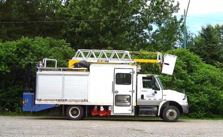 Unknown service truck