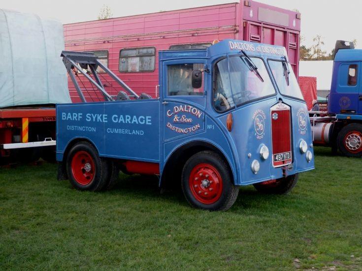 Albion breakdown truck