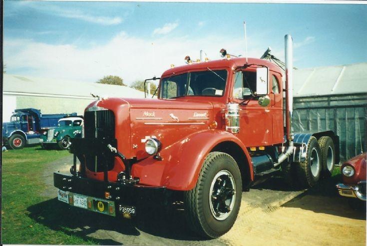 1949 Mack LJ