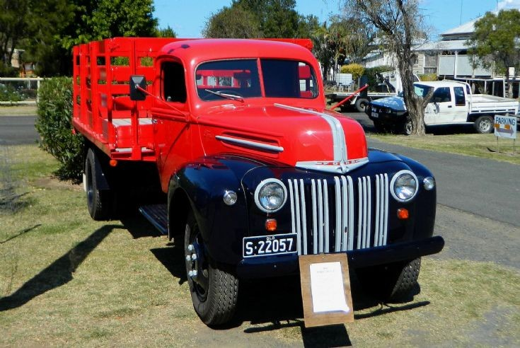 Ford Truck - 1942