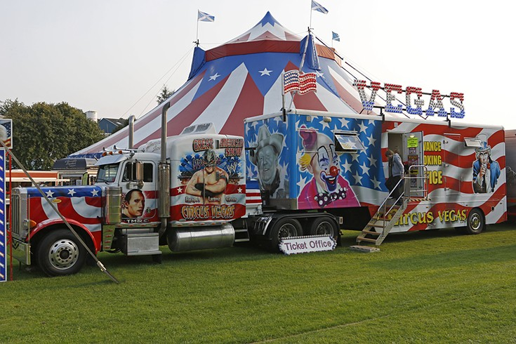 Peterbilt 379 of Circus Vegas