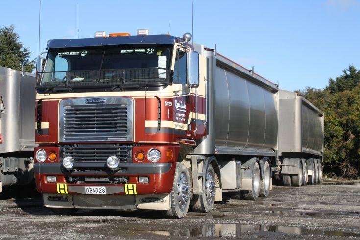 Freightliner Argosay Bulk Haulage unit