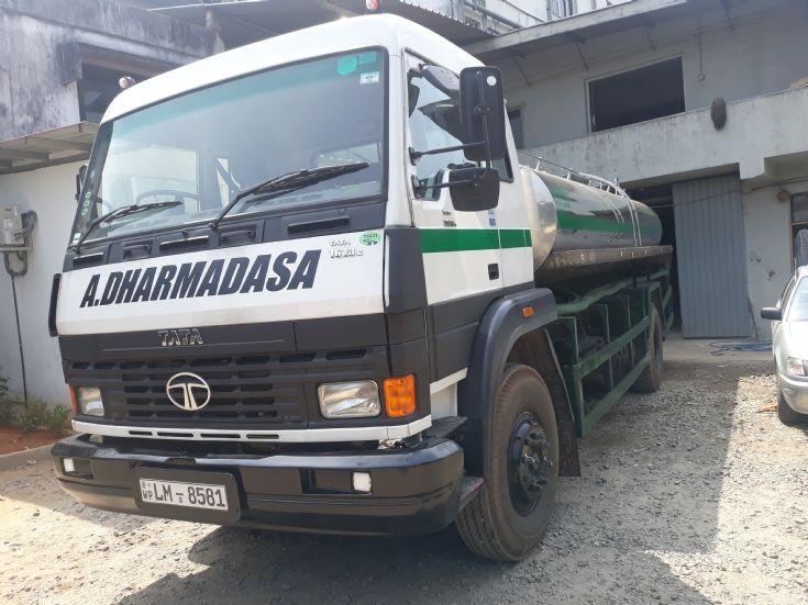 Tata 1613 - Water tanker