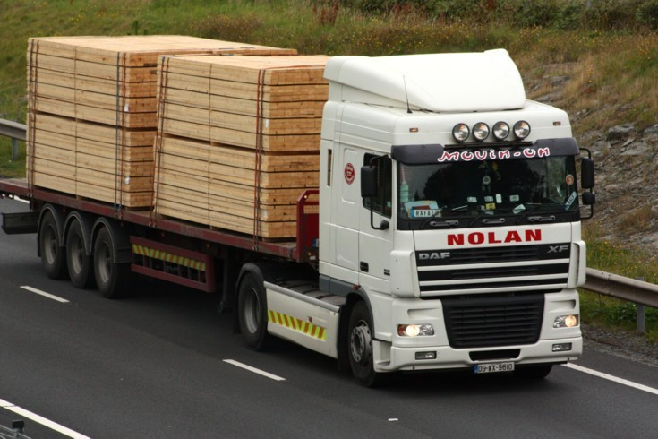 Nolan Transport DAF XF loaded with timber