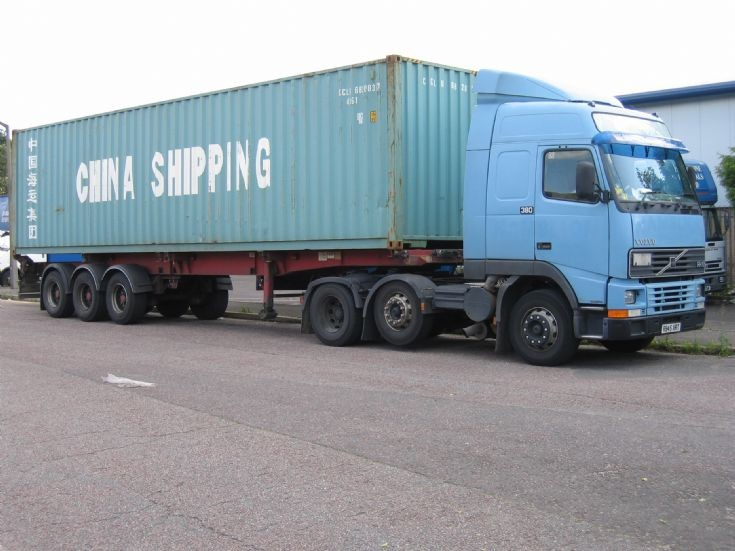 1998 Volvo FH380 and China Shipping Container