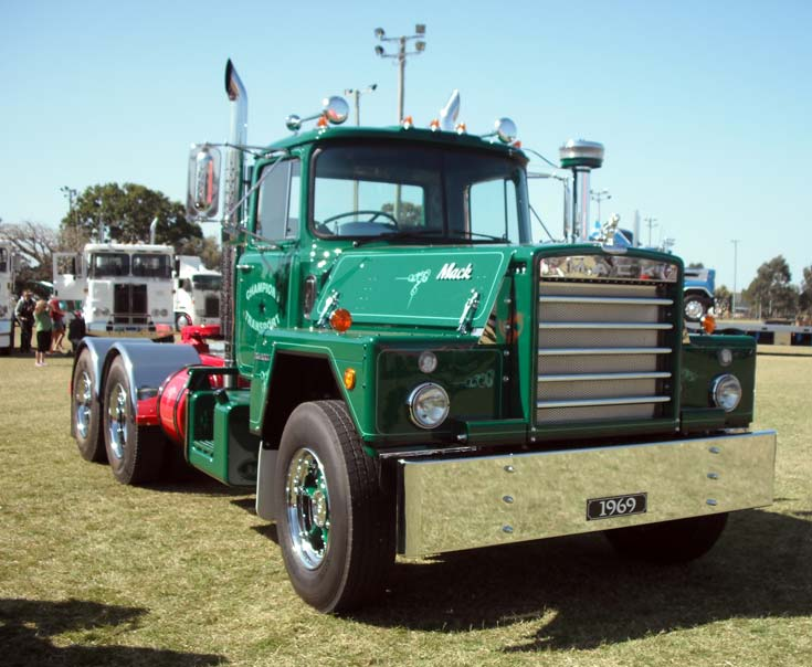 1969 Mack Flintstone at HCVAQ Truck Show 2009