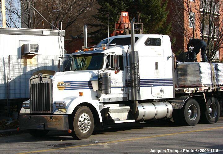 Kenworth from Express Girard Transport Inc.