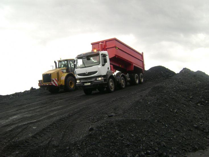 Renault Kerax. Renault Kerax shifting coal,