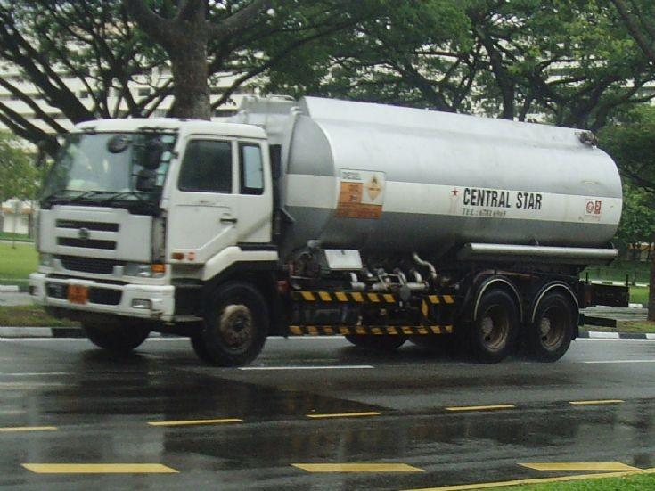 Central Star Nissan Diesel Oil Fuel Tanker Truck