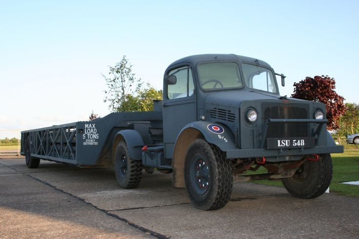 1940 RAF Bedford + Queen Mary trailer