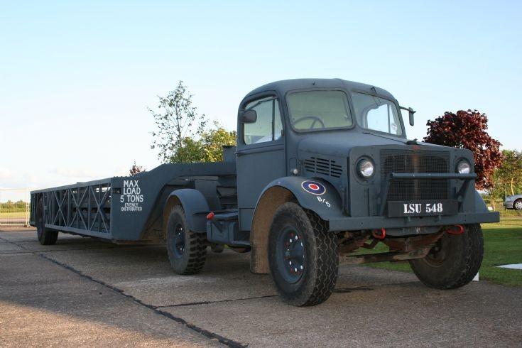 1940 RAF Bedford + Queen Mary trailer