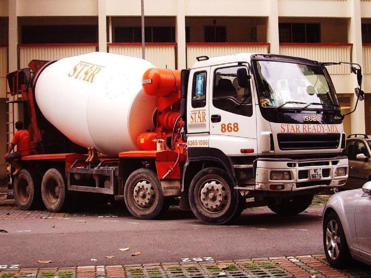 Star Ready-Mix Concrete Pte Ltd CYH Isuzu 4-axle Concrete Mixer Truck