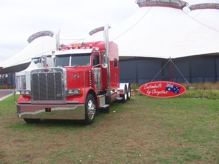 Peterbilt owned by Steve Tyquin (S & S Tyquin bulk haulage)