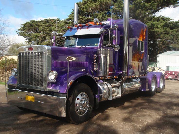 Peterbilt 379 Extended Hood, 140 ton Roadtrain rated