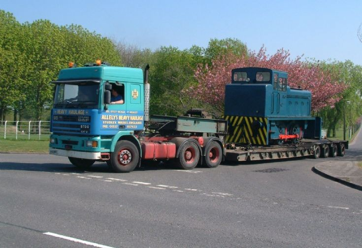 1993 Leyland DAF 95-400 tractor unit & Lowloader of Allely's Heavy Haulage with Barkley 0-4-0 shunting engine