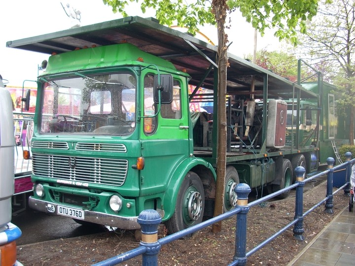 Alex Holland's AEC Dodgem lorry with the 'Ergomatic' cab style