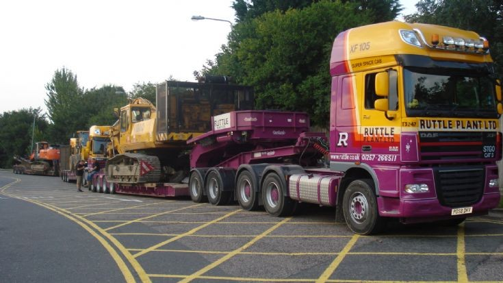 Ruttle Plant Ltd DAF XF -3 vibro piling rigs southbound on m1 heading for Kent